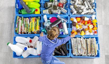 Hoe wordt plastic gerecycled en wat wordt ervan gemaakt?