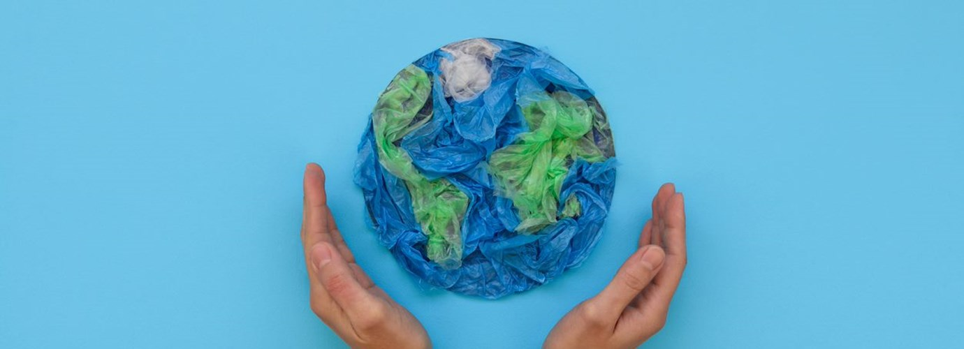 Is plastic packaging bad for the environment? Facts and things to think about